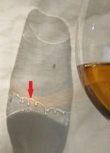 Wine_legs_shadow_croparrow
